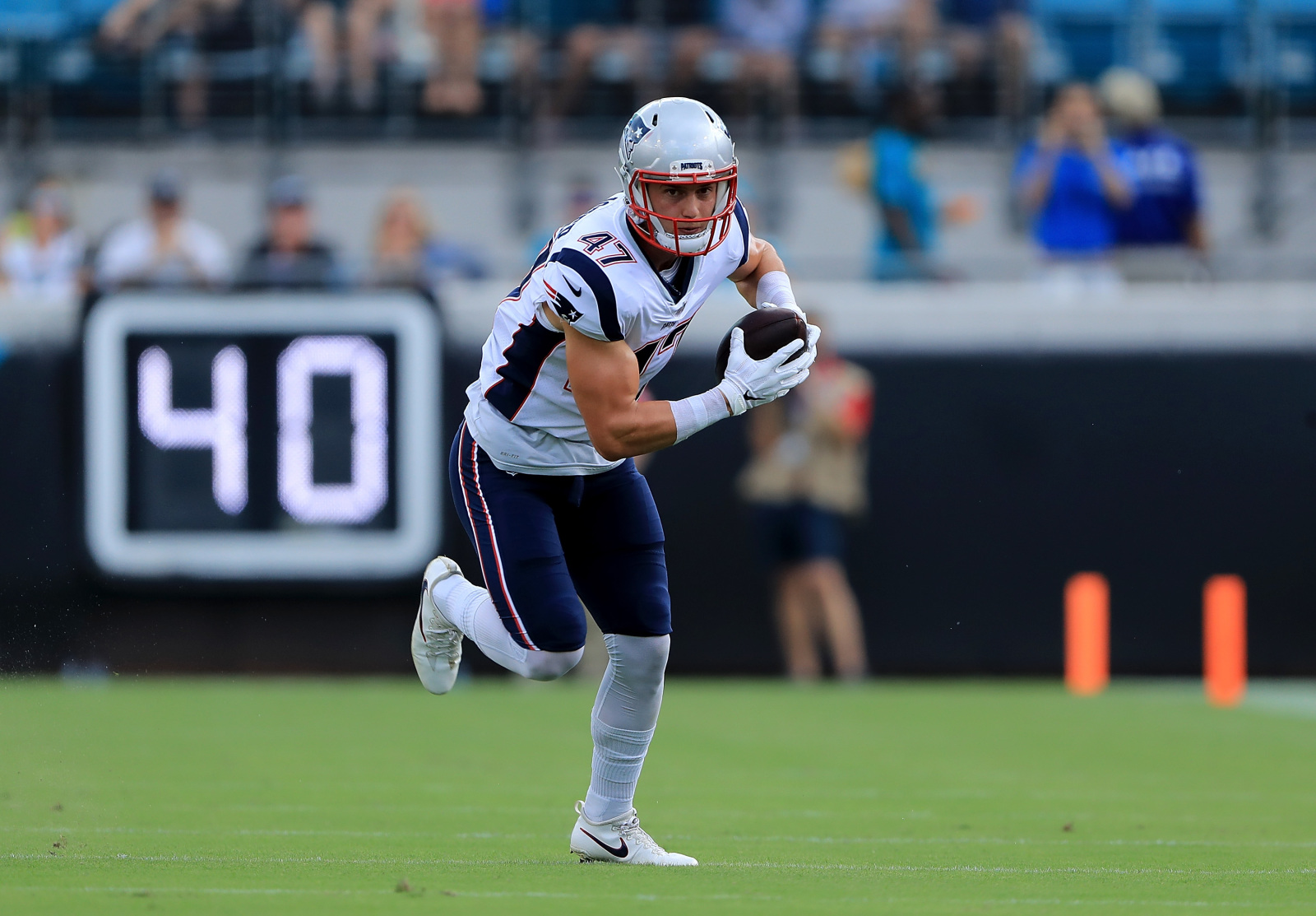 Should the Patriots seek a reunion with Jacob Hollister?
