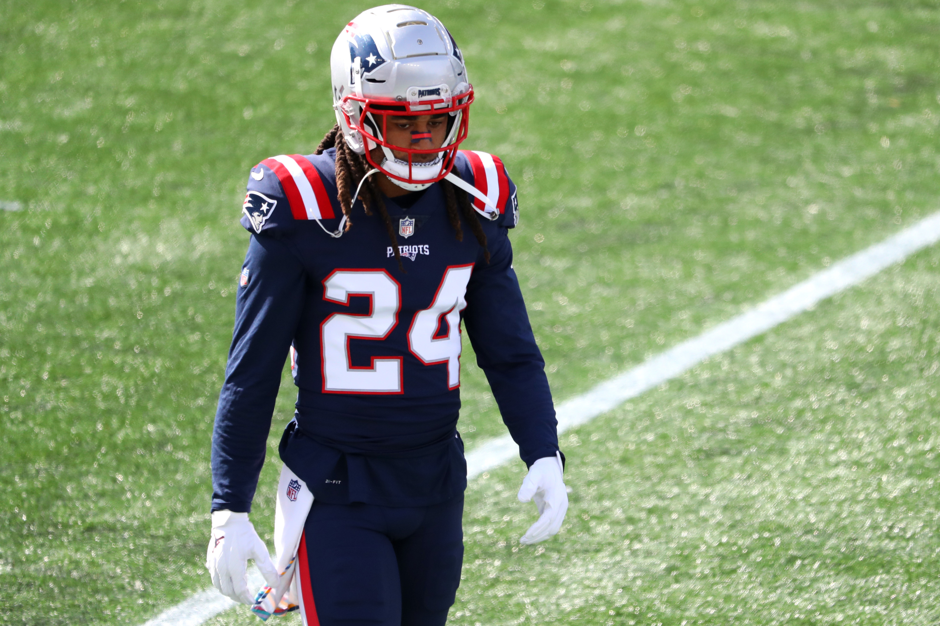 Should Patriots keep Stephon Gilmore or JC Jackson after 2021?