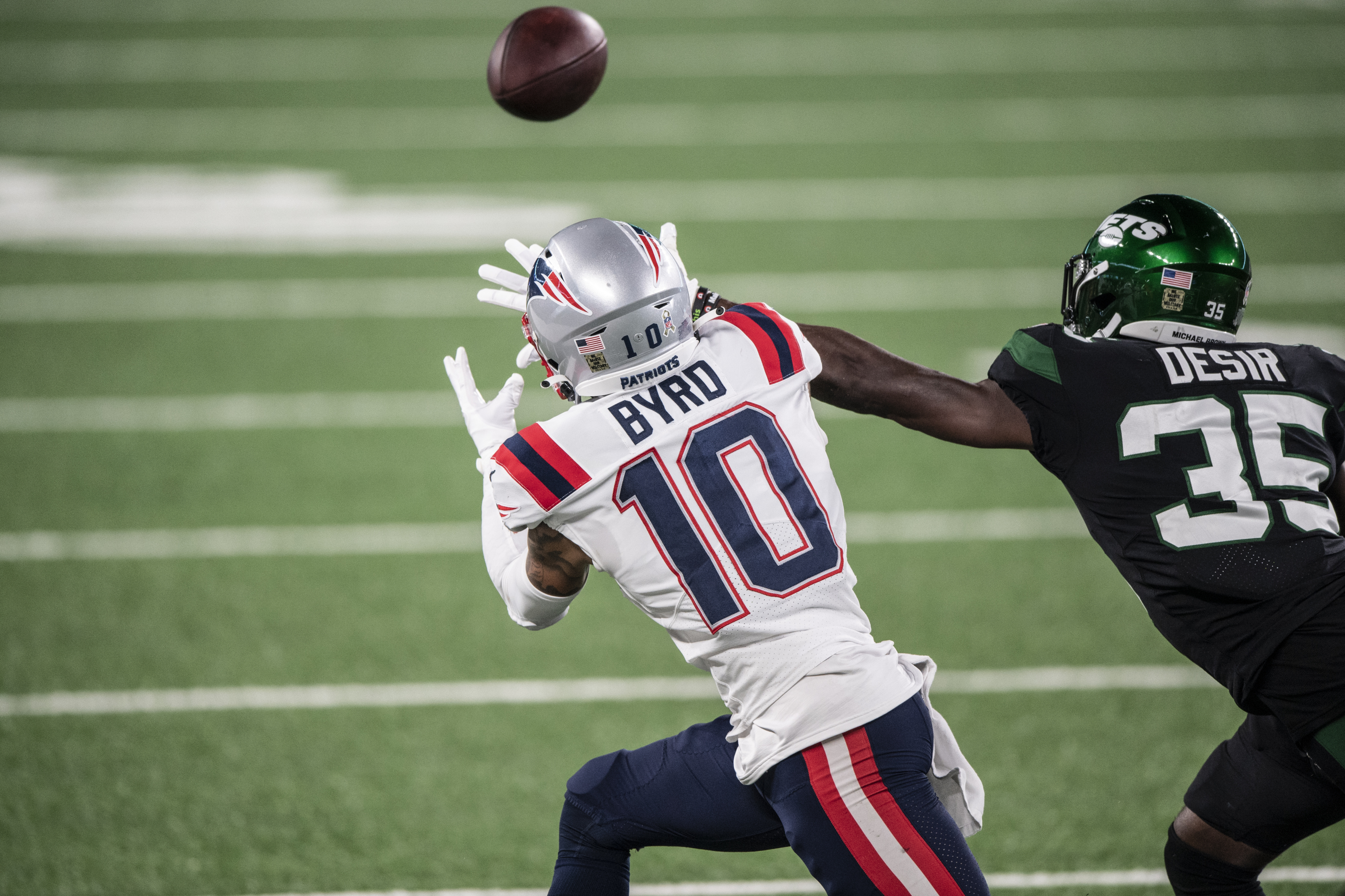 Patriots: Damiere Byrd knocked out by scary hit vs Jets